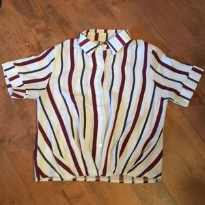 Pullover short sleeve striped shirt w/ Buttons